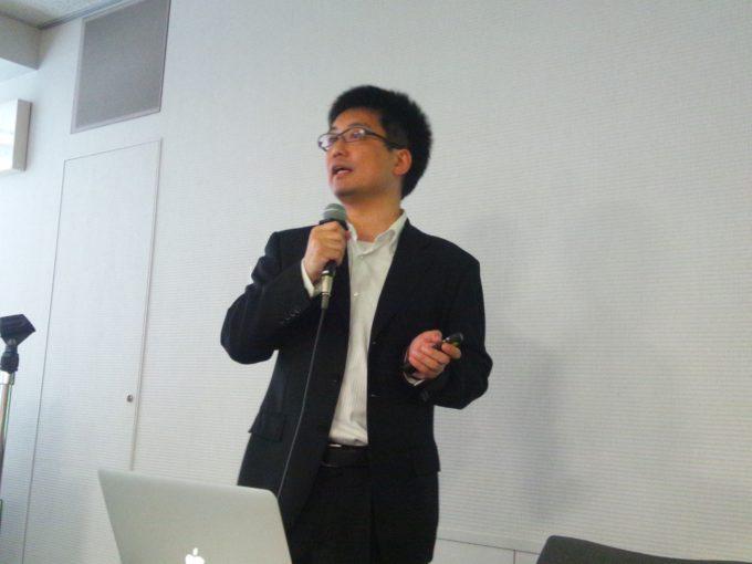横田さん@講演中