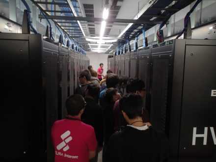 さくらインターネット石狩DC サーバ室 天井吹出方式